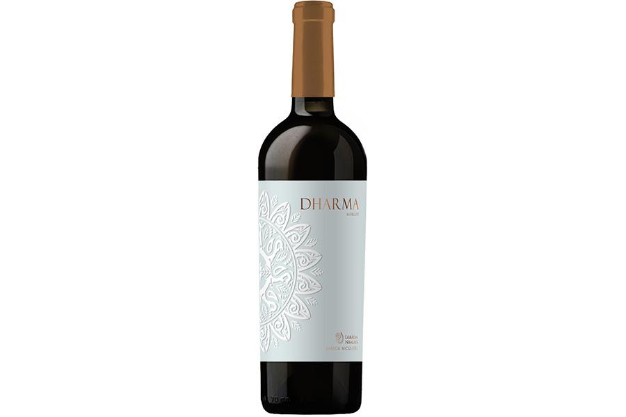 Dharma-Merlot-Crama-Lebada-Neagra-Sarina-Niculitel 9×6