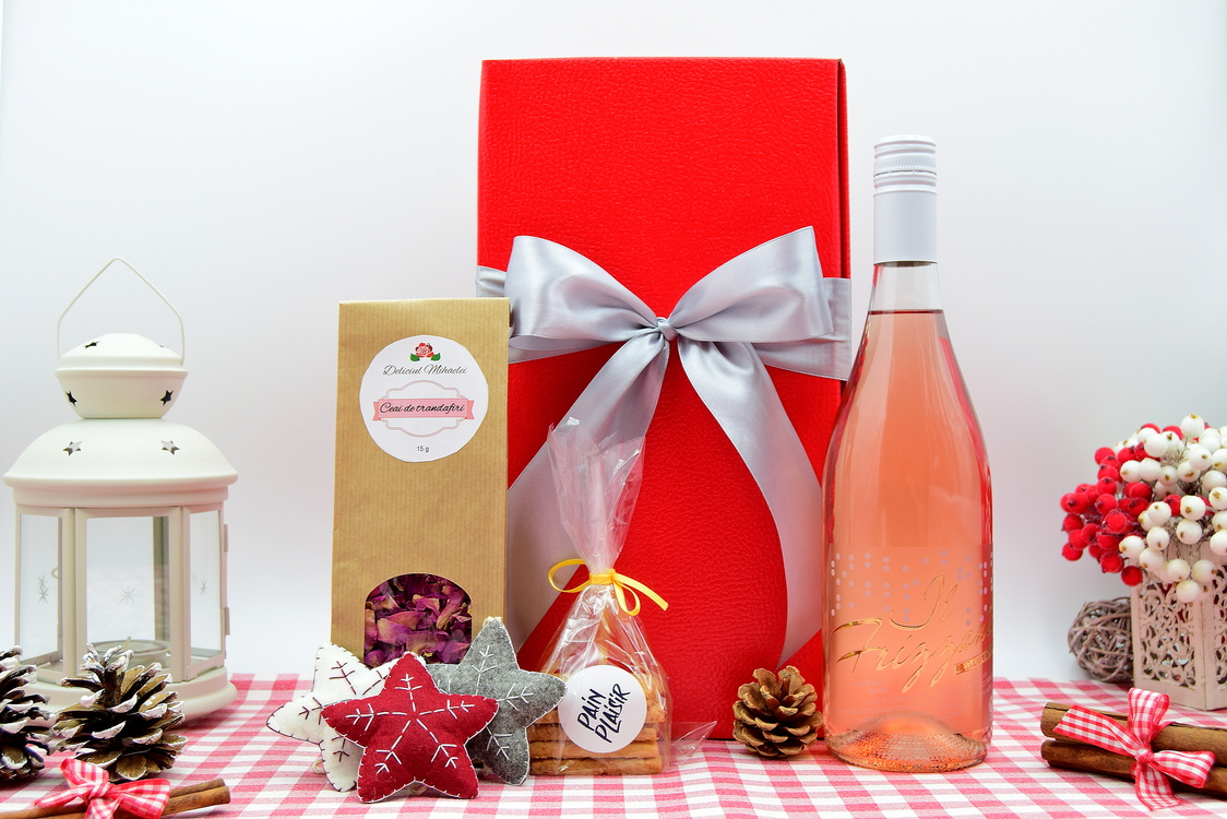 pachet-cadou-de-craciun-Il-Frizzante-crama-lechburg-rose